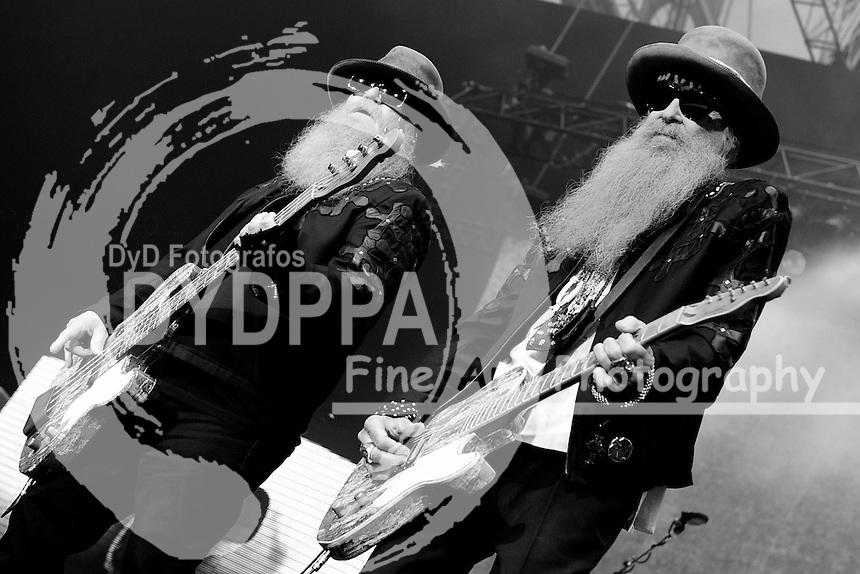 Dusty Hill  und Billy Gibbons von ZZ Top live im Gerry-Weber-Stadion. Halle, 28.06.2015