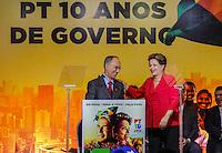 SAO PAULO, SP, 20 FEVEREIRO 2013 -  10 ANOS DO PARTIDO DOS TRABALHADORES GOVERNO FEDERAL NO PODER - Rui Falcao presidente nacional do PT  e a presidente Dilma Rousseff  durante a festa do Partido dos Trabalhadores (PT) para celebrar 33 anos do partido e dez anos no comando do Governo Federal, no Holiday Inn Parque Anhembi, na zona norte de São Paulo, nesta quarta-feira, 20. FOTO: WILLIAM VOLCOV / BRAZIL PHOTO PRESS