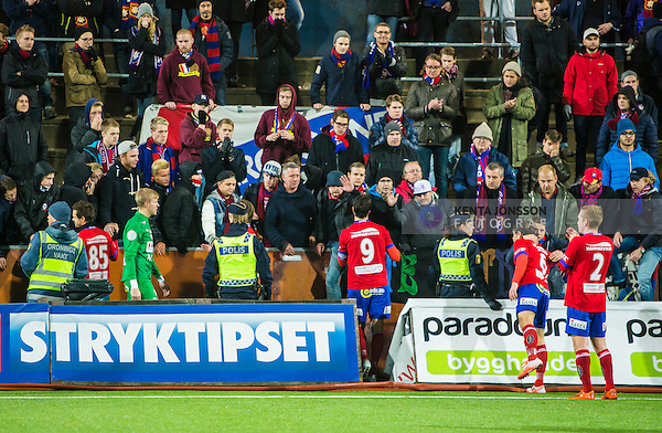 S&ouml;dert&auml;lje 2014-11-09 Fotboll Kval till Superettan Assyriska FF - &Ouml;rgryte IS :  <br /> &Ouml;rgrytes supportrar tackar &Ouml;rgrytes George Mourad med lagkamrater efter matchen mellan Assyriska FF och &Ouml;rgryte IS <br /> (Foto: Kenta J&ouml;nsson) Nyckelord:  S&ouml;dert&auml;lje Fotbollsarena Kval Superettan Assyriska AFF &Ouml;rgryte &Ouml;IS depp besviken besvikelse sorg ledsen deppig nedst&auml;md uppgiven sad disappointment disappointed dejected supporter fans publik supporters