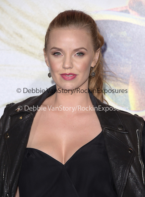 Kelli Garner attends Warner Bros. Pictures L.A. Premiere of FOCUS held at The TCL Chinese Theater  in Hollywood, California on February 24,2015                                                                               © 2015 Hollywood Press Agency