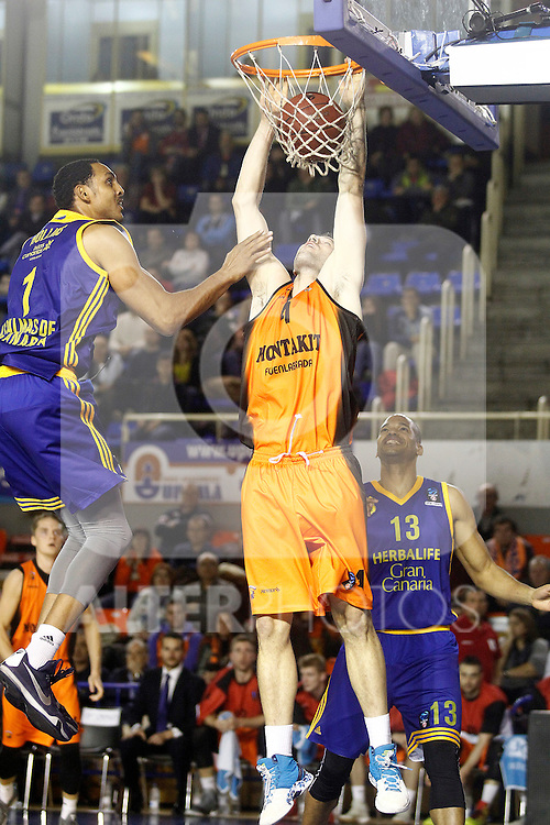 Montakit Fuenlabrada's Ian O'Leary (c) and Herbalife Gran Canaria's Ryan Hollins (l) and Eulis Baez during Eurocup, Top 16, Round 2 match. January 10, 2017. (ALTERPHOTOS/Acero)