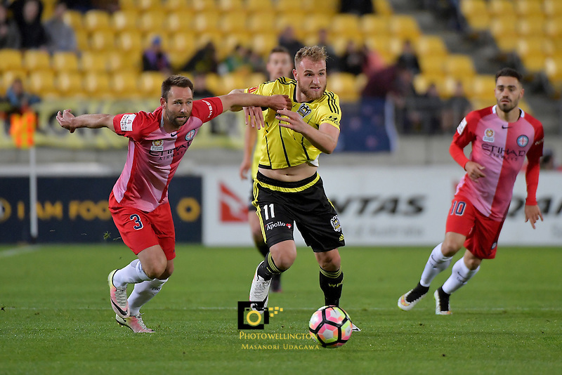 Wellington Phoenix&rsquo;  Hamish Watson and Melbourne City FC's Joshua Rose in action during the A League - Wellington Phoenix v Melbourne City FC at Westpac Stadium, Wellington, New Zealand on Saturday 8 October 2016.<br /> Photo by Masanori Udagawa. <br /> www.photowellington.photoshelter.com.