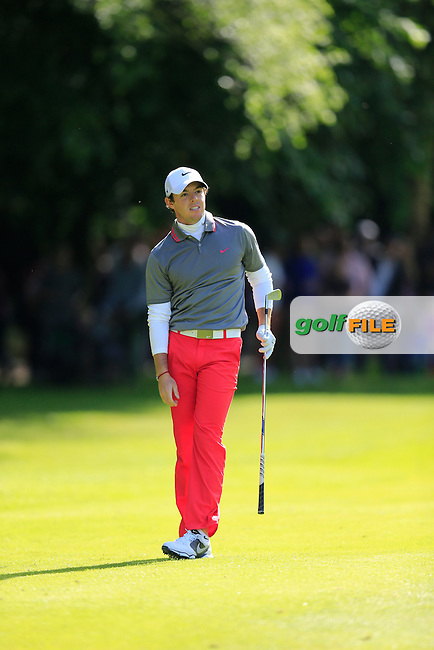 Rory McIlroy (NIR) on the 17th during the final round of the BMW PGA championship, Wentworth Golf Club, Virginia Water, London.<br /> Picture: Fran Caffrey www.golffile.ie