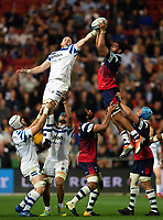 Matt Garvey of Bath Rugby competes with Chris Vui of Bristol Bears for the ball at a lineout. Gallagher Premiership match, between Bristol Bears and Bath Rugby on August 31, 2018 at Ashton Gate Stadium in Bristol, England. Photo by: Patrick Khachfe / Onside Images