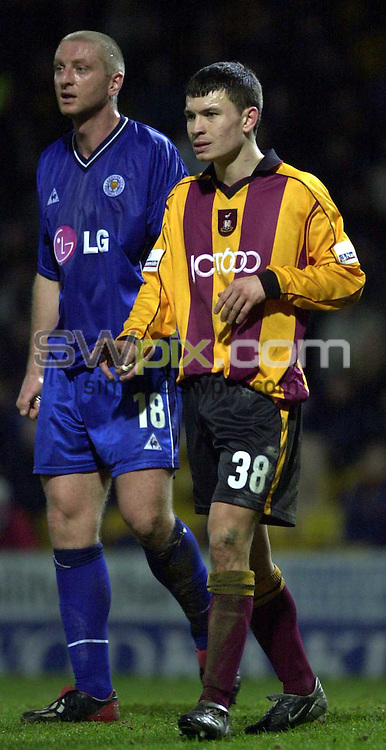 Pix: Simon Wilkinson/SWpix.com. Football. Nationwide League Division One. Bradford City v Leicester City. 04/03/03..COPYRIGHT PICTURE>>SIMON WILKINSON>>01943 436649>>..Bradford's Danny Forrest and Leicester,s Matt Elliott