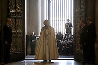 Papa Francesco apre la Porta Santa in occasione dell'inizio ufficiale del Giubileo della Misericordia, nella Basilica di San Pietro, Citta' del Vaticano, 8 dicembre 2015.<br /> Pope Francis opens the Holy Door on the occasion of the start of the Jubilee of Mercy, on St. Peter's Basilica at the Vatican, 8 December 2015.<br /> UPDATE IMAGES PRESS/Giagnori Bonotto<br /> <br /> STRICTLY ONLY FOR EDITORIAL USE