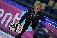 SCHAATSEN: HEERENVEEN: 18-10-2013, IJsstadion Thialf, Trainingswedstrijd, Jan Ykema (trainer/coach Friese Selectie), ©foto Martin de Jong