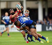 James Hanson of Gloucester Rugby is tackled by Joe Cokanasiga of Bath Rugby. Gallagher Premiership match, between Bath Rugby and Gloucester Rugby on September 8, 2018 at the Recreation Ground in Bath, England. Photo by: Patrick Khachfe / Onside Images