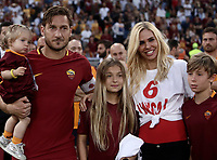 Calcio, Serie A: Roma, stadio Olimpico, 28 maggio 2017.<br /> As Roma' s Francesco Totti with his wife Ilary Blasi, his daughters Isabel and Chanel and his son Cristian during a ceremony to celebrate his last match with AS Roma after the Italian Serie A football match between AS Roma and Genoa at Rome's Olympic stadium, May 28, 2017.<br /> Francesco Totti's final match with Roma after a 25-season career with his hometown club.<br /> UPDATE IMAGES PRESS/Isabella Bonotto