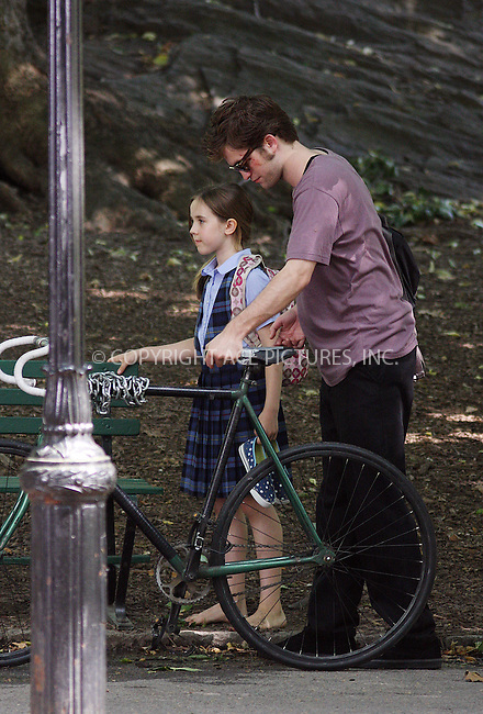 WWW.ACEPIXS.COM . . . . .  ....June 30 2009, New York City....Actor Robert Pattinson on the Central Park set of the new movie 'Remember Me' on June 30 2009 in New York City....Please byline: AJ Sokalner - ACEPIXS.COM..... *** ***..Ace Pictures, Inc:  ..tel: (212) 243 8787..e-mail: info@acepixs.com..web: http://www.acepixs.com