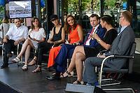 BMZ Tag der offenen Tür 2015, Hauptbühne, Diskussion Nachhaltige Textilien mit PSt Silberhorn, Designerin Esther Perbandt und weiteren