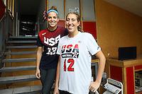 Sam Lapszynski (vorn) und Ashley Engeln - 27.10.2016: SG Weiterstadt Spielerinnen im Interview