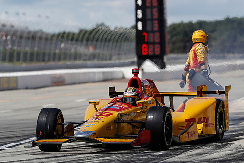 20-21 August, 2016, Long Pond, Pennsylvania USA<br /> Ryan Hunter-Reay,  pit stop<br /> ©2016, Michael L. Levitt<br /> LAT Photo USA