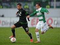 Fussball 1. Bundesliga :  Saison   2012/2013   9. Spieltag  27.10.2012 SpVgg Greuther Fuerth - SV Werder Bremen Lukas Schmitz (li, SV Werder Bremen) gegen Zoltan Stieber (Greuther Fuerth)