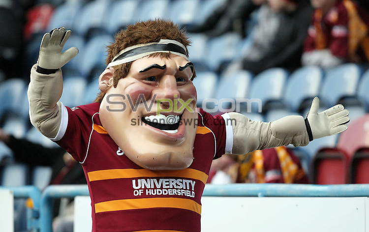 PICTURE BY VAUGHN RIDLEY/SWPIX.COM - Rugby League - Preseason Friendly - Huddersfield Giants v Wigan Warriors - Galpharm Stadium, Huddersfield, England - 25/01/09...Copyright - Simon Wilkinson - 07811267706...Huddersfield's Mascot.