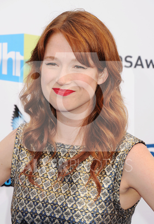 SANTA MONICA, CA - AUGUST 19: Ellie Kemper arrives at the 2012 Do Something Awards at Barker Hangar on August 19, 2012 in Santa Monica, California. /NortePhoto.com....**CREDITO*OBLIGATORIO** ..*No*Venta*A*Terceros*..*No*Sale*So*third*..*** No Se Permite Hacer Archivo**