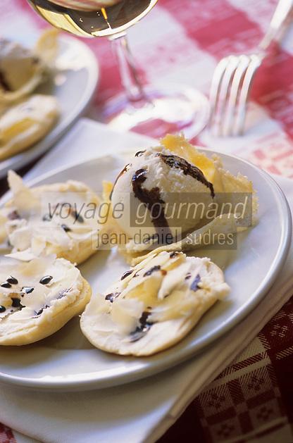 Europe/Italie/Emilie-Romagne/Trattoria del Amerigo : Tarte au parmesan et glace au parmesan et vinaigre balsamique