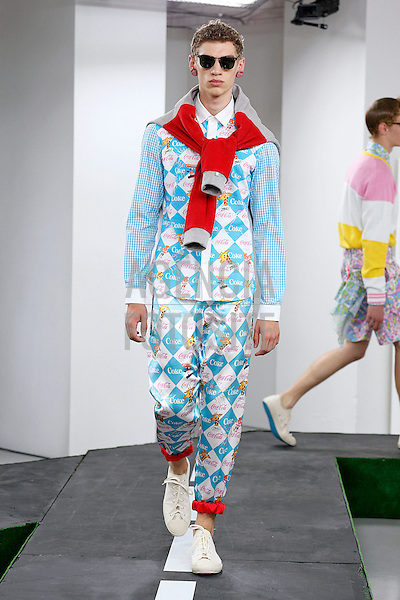 Londres, Inglaterra &ndash; 06/2014 - Desfile de Kit Neale durante a Semana de moda masculina de Londres - Verao 2015. <br /> Foto: FOTOSITE