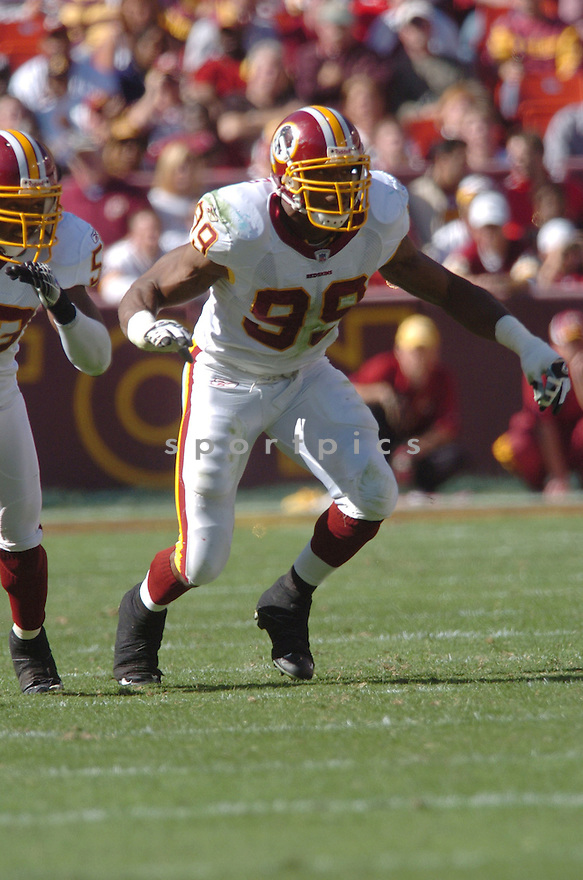 ANDRE CARTER of the Washington Redskins in action against the Tennessee Titans on October 15, 2006 at FedEx Field...Titans win 25-22..Tomasso DeRosa / SportPics