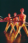 TENSILE INVOLVEMENT (création 1955)<br /> <br /> Chorégraphie, son, lumières, costumes : Alwin Nikolais<br /> Danseurs de la compagnie : Snezana Adjanski, Joseph (jo) Blake, Chia-Chi Chiang, Juan Carlos Claudio, Ai Fujii, Trey Gillen, Caine Keenan, Melissa McDonald, Brandin Scott Steffenssen, Liberty Valentine<br /> Compagnie : Ririe - Woodbury Dance Company<br /> Lieu : Théâtre de la Ville<br /> Ville : Paris<br /> Date : 23/03/2004