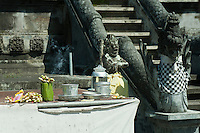 There is a small population of Balinese remaining on Lombok, and quite a number of Hindu temples