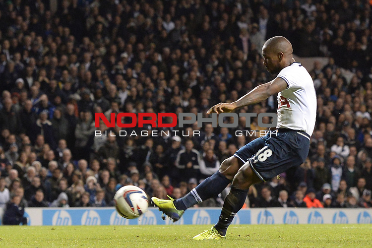 Tottenham's Jermain Defoe scores a goal from a penalty  30/10/2013 - SPORT - FOOTBALL - White Hart Lane - London - Tottenham Hotspur v Hull City - Capital One Cup - Forth Round<br /> Foto nph / Meredith<br /> <br /> ***** OUT OF UK *****