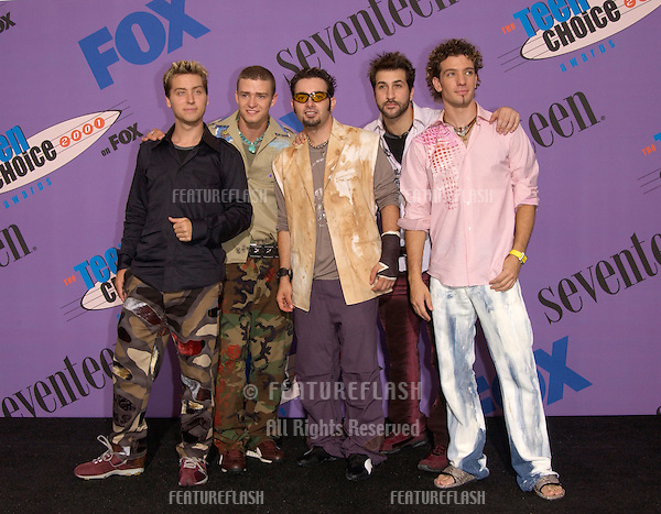 Pop group *NSYNC at the 2001 Teen Choice Awards at the Universal Amphitheatre, Hollywood. They won the awards for Choice Single and Choice Concert..12AUG2001.  © Paul Smith/Featureflash