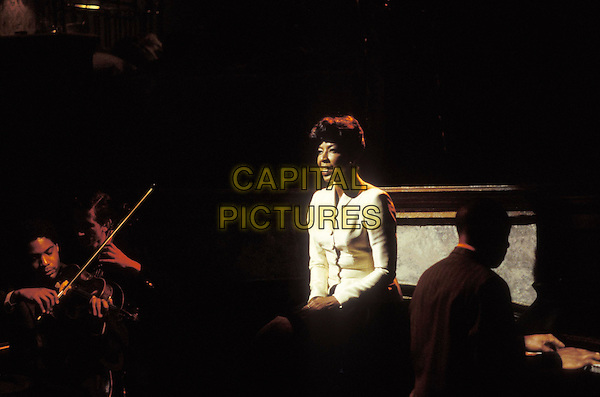 NATALIE COLE <br /> in De-Lovely<br /> Filmstill - Editorial Use Only<br /> CAP/AWFF<br /> supplied by Capital Pictures