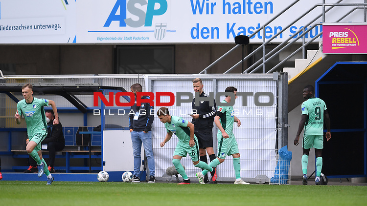 Doppelwechsel bei Hoffenheim: v.l.Maximilian Beier (TSG 1899 #35), Dennis Geiger (TSG 1899 #8), Sebastian Rudy (TSG 1899 #16), Ihlas Bebou (TSG 1899 #9).<br /><br />Foto: Edith Geuppert/GES /Pool / Rauch / nordphoto <br /><br />DFL regulations prohibit any use of photographs as image sequences and/or quasi-video.<br /><br />Editorial use only!<br /><br />National and international news-agencies out.