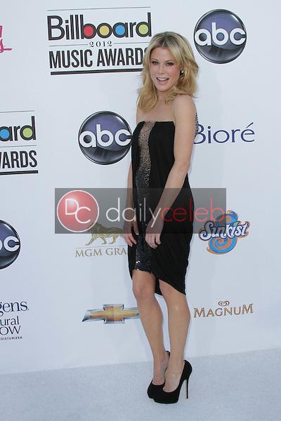 Julie Bowen<br /> at the 2012 Billboard Music Awards Arrivals, MGM Grand, Las Vegas, NV 05-20-12<br /> David Edwards/DailyCeleb.com 818-249-4998