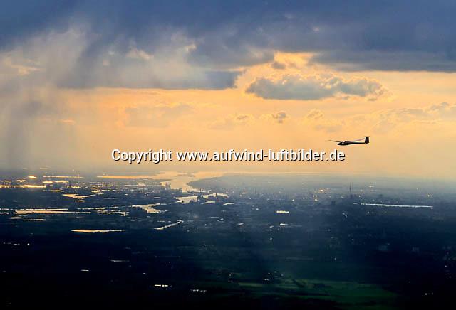 Deutschland, Hamburg, Segelflug, Hafen, Elbe,  LS4, Segelfliegen in Hamburg