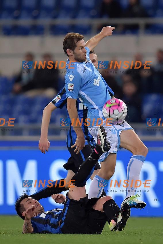 Gary Medel Inter, Senad Lulic Lazio <br /> Roma 01-05-2016 Stadio Olimpico Football Calcio Serie A 2015/2016 Lazio - Inter Foto Andrea Staccioli / Insidefoto