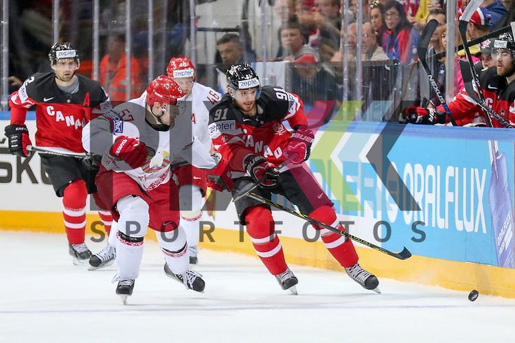 Belarus Usenko, Ivan (Nr.57)(Shakhtyor Soligorsk) im Zweikampf mit Canadas Seguin, Tyler (Nr.91)  im Spiel IIHF WC15 Canada vs. Belarus.<br /> <br /> Foto &copy; P-I-X.org *** Foto ist honorarpflichtig! *** Auf Anfrage in hoeherer Qualitaet/Aufloesung. Belegexemplar erbeten. Veroeffentlichung ausschliesslich fuer journalistisch-publizistische Zwecke. For editorial use only.