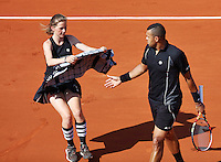France, Paris , May 27, 2015, Tennis, Roland Garros, <br /> Photo: Tennisimages/Henk Koster Ballgirl gives a towel to Jo-Wilfried Tsonga (FRA)
