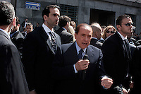 Milano: Silvio Berlusconi parla davanti al tribunale dopo l'udienza del processo per i diritti Mediaset...Milan: Italian Prime Minister Silvio Berlusconi outside Milan's justice court  after the legal hearing to face tax fraud charges related to his media businesses, Mediaset.