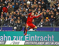 Evan N'Dicka (Eintracht Frankfurt) gegen Thomas Mueller (FC Bayern Muenchen) - 22.12.2018: Eintracht Frankfurt vs. FC Bayern München, Commerzbank Arena, DISCLAIMER: DFL regulations prohibit any use of photographs as image sequences and/or quasi-video.