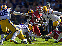 NWA Democrat-Gazette/BEN GOFF @NWABENGOFF<br /> Jonathan Nance, Arkansas wide receiver, runs after a catch in the fourth quarter Saturday, Nov. 11, 2017 at Tiger Stadium in Baton Rouge, La.