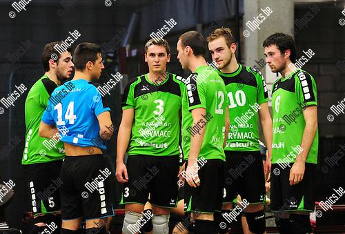 2014-11-29 / Volleybal / seizoen 2014-2015 / Mendo Booischot / Yannick Slaets (3) Maarten Van Dyck (10) <br /><br />Foto: mpics.be