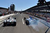Verizon IndyCar Series<br /> Indianapolis 500 Carb Day<br /> Indianapolis Motor Speedway, Indianapolis, IN USA<br /> Friday 26 May 2017<br /> Will Power, Team Penske Chevrolet, James Hinchcliffe, Schmidt Peterson Motorsports Honda during the pit stop competition <br /> World Copyright: Scott R LePage<br /> LAT Images<br /> ref: Digital Image lepage-170526-indy-9891