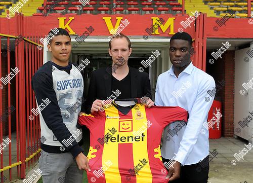 2014-05-02 / Voetbal / seizoen 2013-2014 / Persconferentie KV Mechelen / Tim Matthys tussen Jason Adesanya en Stevy Okitokandjo (r.)<br /><br />Foto: mpics.be