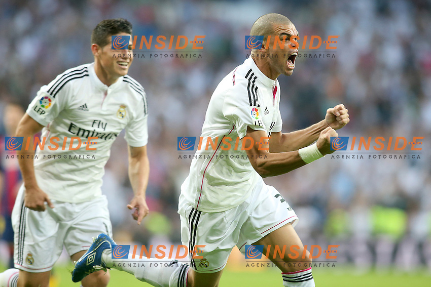 Real Madrid's James Rodriguez (l) and Pepe celebrate goal during La Liga match.October 25,2014. (ALTERPHOTOS/Acero) <br /> Clasico<br /> Foto Insidefoto