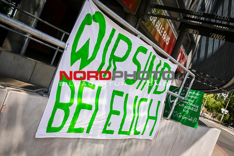 im Bild | picture shows:<br /> Fanbanner / Zuspruch Fans / am Wohninvest Weserstadion,  <br /> <br /> Sport: nphgm001: Fussball: 1. Bundesliga: Saison 19/20: 34. Spieltag: SV Werder Bremen vs 1.FC Koeln 27.06.2020 <br /> <br /> Foto: Rauch/gumzmedia/nordphoto<br /> <br /> EDITORIAL USE ONLY