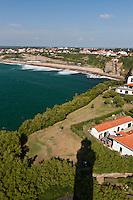 Europe/France/Aquitaine/64/Pyrénées-Atlantiques/Pays-Basque/Biarritz: La Chambre d'Amour à Anglet vue depuis le sommet du phare à la  pointe Saint-Martin