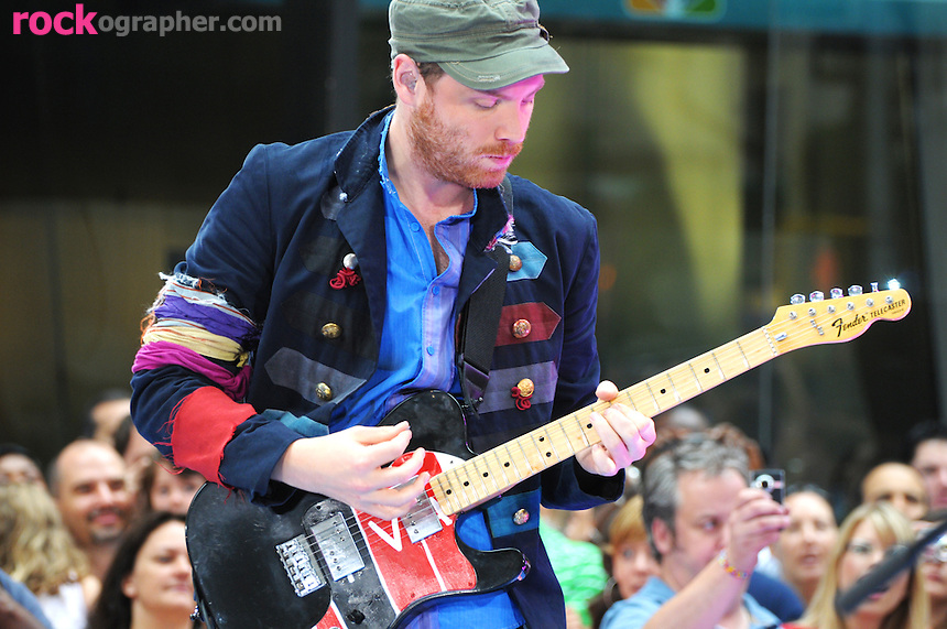 Jonny Buckland of Coldplay performs at the Today Show Summer Concert Series at Rockefeller Plaza , NYC (06-27-08)