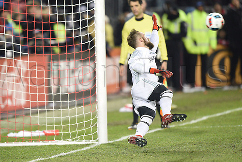 10.12.206. Toronto, ONT, Canada. MLS Football League Cup. Stefan Frei (24) of Seattle Sounders makes a save during the penalty shootout of the MLS Cup Final game between Toronto FC and Seattle Sounders on December 10, 2016, at BMO Field in Toronto, ON, Canada.