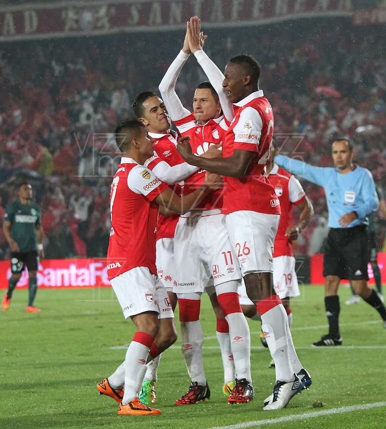BOGOTA -COLOMBIA, 27-ENERO-2015. Luis Paez Jugador del Independiente Santa Fe celebra su gol contra el Atletico Nacional  durante partido  de La Superliga Postobon 2015 final  jugado en el estadio Nemesio Camacho El Campin de Bogota . / Luis Paez  Independiente Santa Fe player celebrates his goal against Atletico Nacional party during the 2015 Final Superliga  Postobon  2015 played at the  Nemesio Camacho El Campin stadium  in Bogota . Photo / VizzorImage / Felipe Caicedo  / Staff