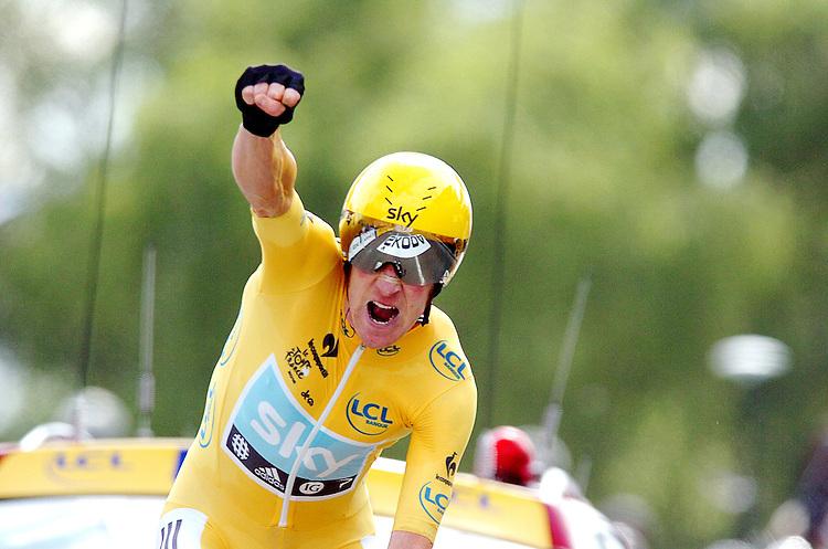 PICTURE BY ALAIN BORDAUX/ICON SPORT/SWPIX.COM - Cycling - 2012 Tour de France - Stage 19, Time Trial - Bonneval - Chartres, France - 21/07/12 - Bradley Wiggins of Team Sky wins the 19th Stage of the 2012 Tour de France...