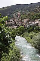 Europe/France/Provence-Alpes-Côtes d'Azur/06/Alpes-Maritimes/Alpes-Maritimes/Arrière Pays Niçois/Tende: le village perché