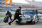 #4: Todd Gilliland, Kyle Busch Motorsports, Toyota Tundra Mobil 1 pit stop