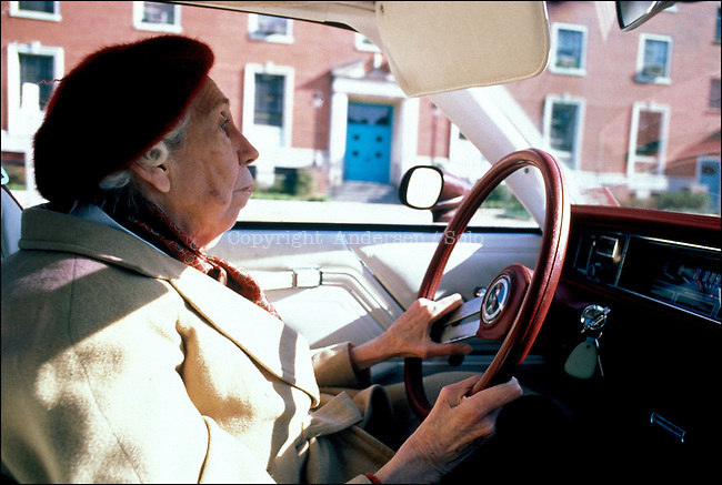 Eudora Welty, American writer in her car, in Jackson in 1989.